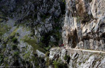 ruta-del-cares-frontera-verde-aventura