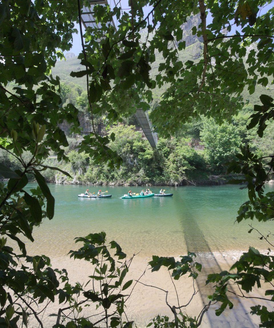 por el rio sella en canoa con frontera verde 01