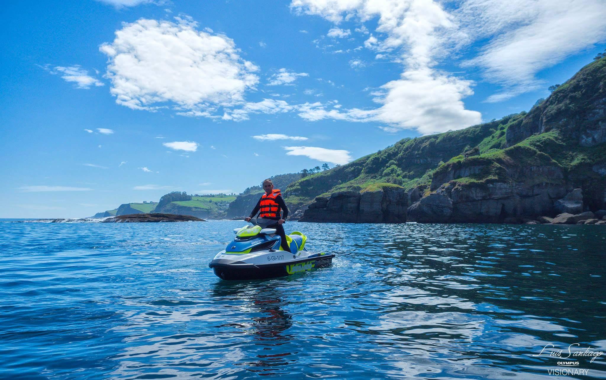 Rutas en moto de agua por Gijón y Ribadesella