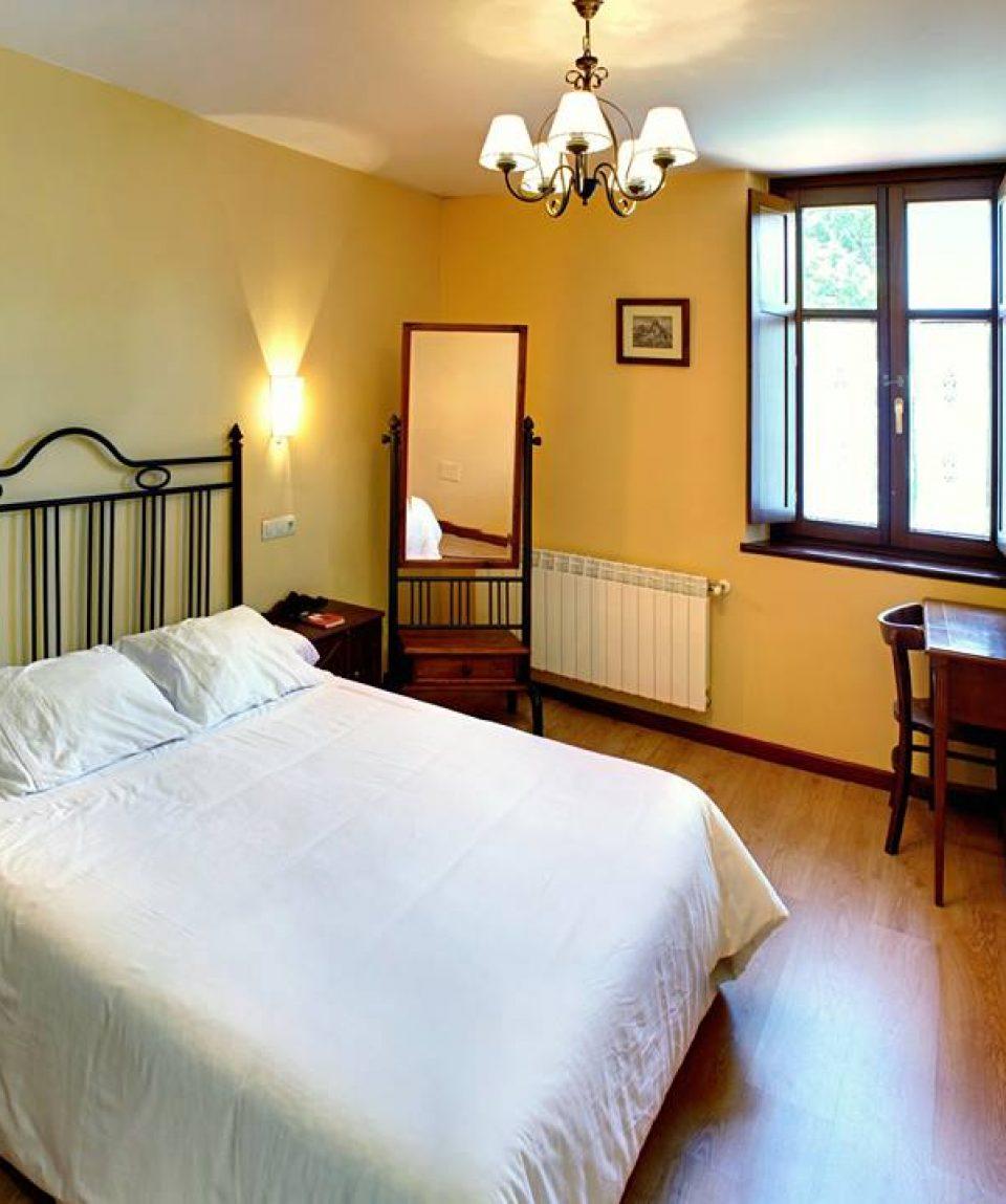 Hotel-Rural-Coviella-habitacion1