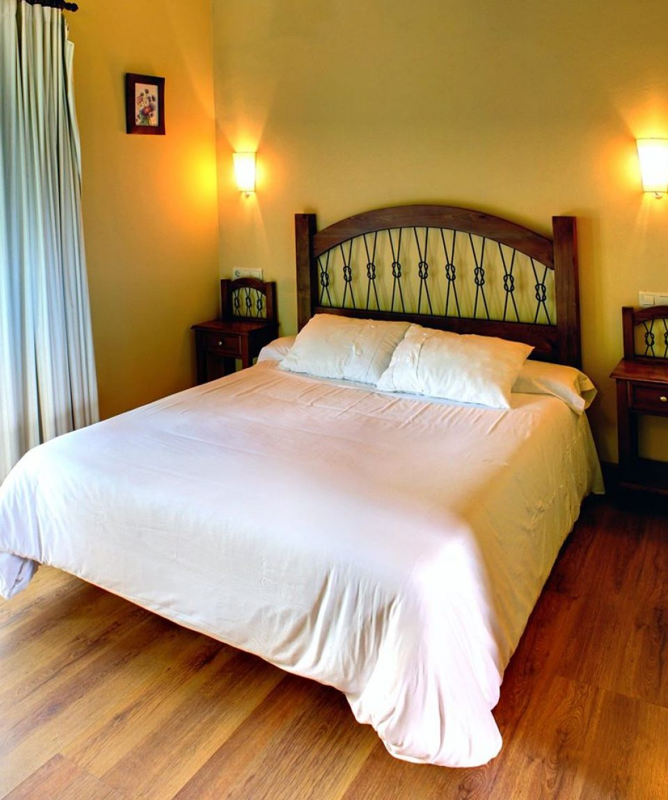 Hotel-Rural-Coviella-habitacion2