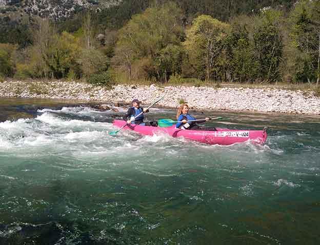 Descenso en canoa por el río Deva