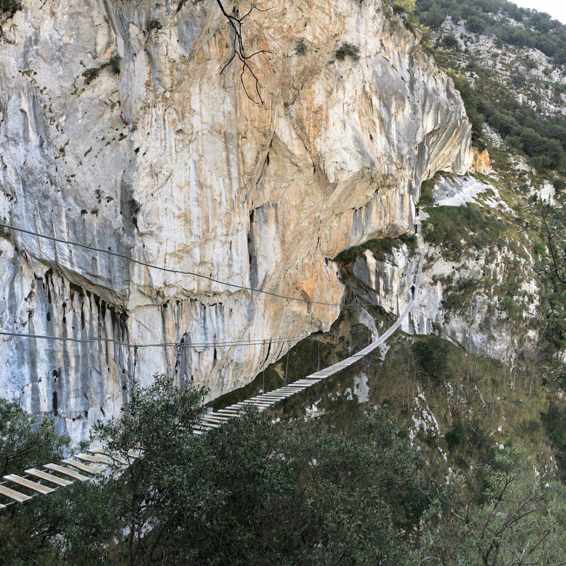 Vista panorámica de la Vía Ferrata de la Hemida en Cantabria
